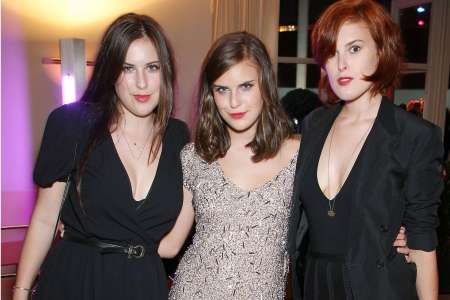 Tallulah Willis with her sisters, Laura Willis and Rumer Willis. Know more about their sober life?