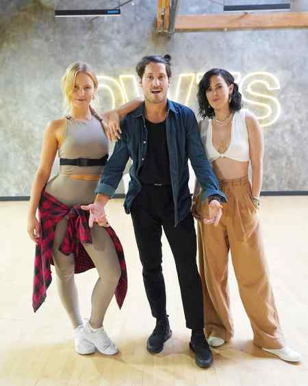 Rumer Willis with her dancing partner, Dan Chmerkovskiy and Sailor Brinkley-Cooke. How did the dancing trio reunited?