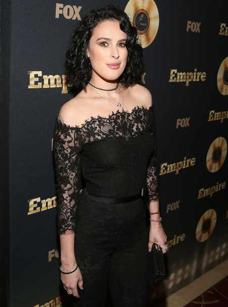 Rumer Willis is possibly single after breaking up with former DWTS partner, Val Chmerkovskiy. Know more about her current relationship status?