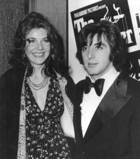 Al Pacino and his first former girlfriend, Jill Clayburgh. How is Olivia's dating life going on?