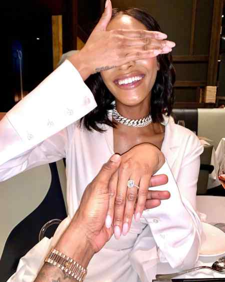Jourdan Dunn closing her eyes while Dion Hamilton proposed her with an expensive 2-carat oval diamond ring. How did the couple first met?