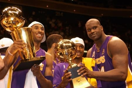 shaq with NBA trophy know about his earnings