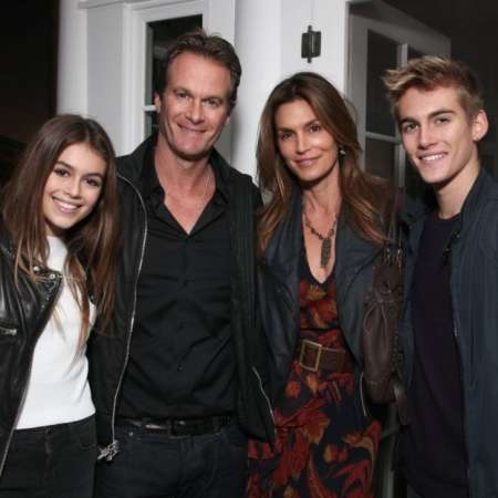 Rande Gerber with his wife, Cindy Crawford and their two successful children. Find more about Gerber's kids' birth details and current profession.