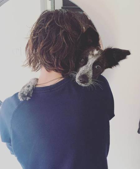 Katherine Moennig feels the best hug with her pet dog, Mo. Know more about Katherine's married life with spouse, Ana Rezende.