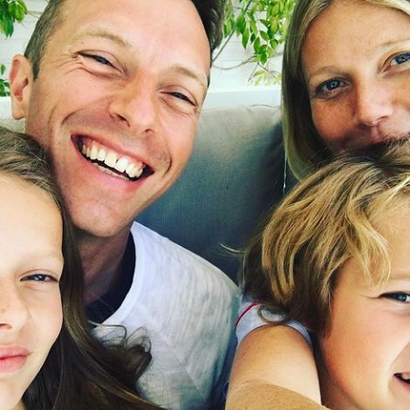 Gwyneth Paltrow posted a picture with her ex-husband, Chis Martin alongside their two kids on the ocasion of father's day