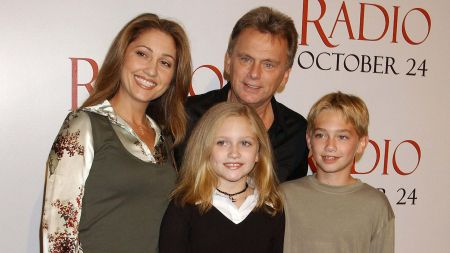 Pat Sajak wife and children in a function