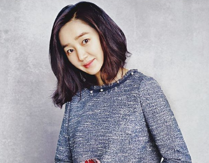Soo ae Shooting In The Studio.