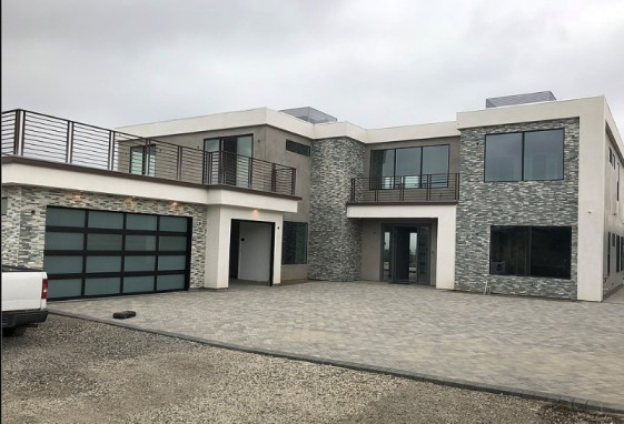 :Austin McBroom And HisExpensive Mansion