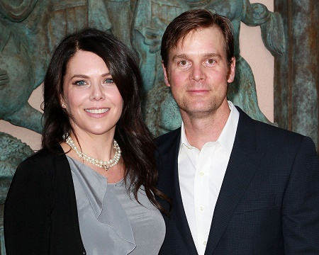 Peter Krause with his lover Lauren Graham