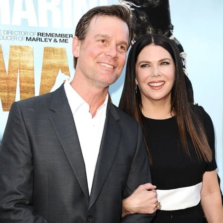 Peter Krause, Roman Krause's father and his girlfriend Lauren Graham who are dating since 2010