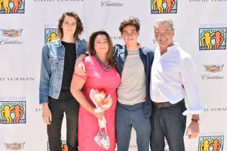Keely Shaye Smith and her husband, Pierce Brosnan with their two sons. Know more about Keely's husband, Brosnan's past married life.