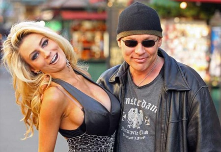 Courtney Stodden Finalizes Divorce From her Husband Doug Hutchinson