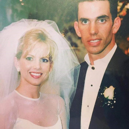 Shannon Bream and Sheldon Bream exchanged the vows on December 30, 1995
