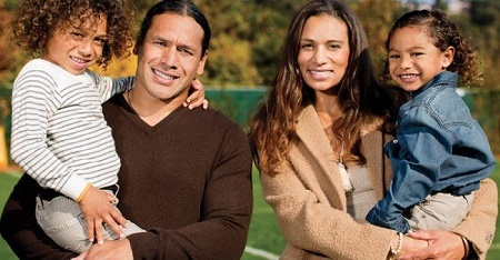 Theodora Holmes and Troy Polamalu have Two Sons