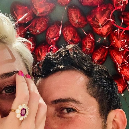 Dark Horse Singer Katy Perry and her Fiance, Orlando Bloom Got Engaged on 2017's Valentine Day