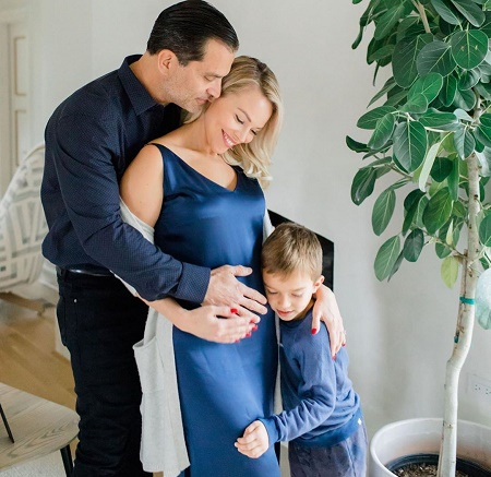 In this Summer, the 50-year-old actor Johnathon Schaech and his long-term partner Julie Solomon are again expecting