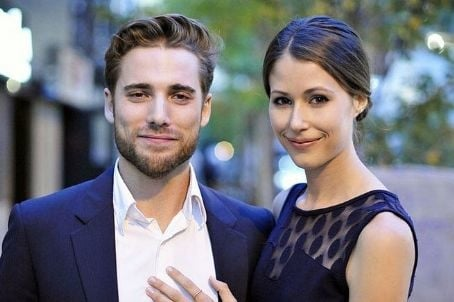 Dustin Milligan and Amanda Crew Marital Status