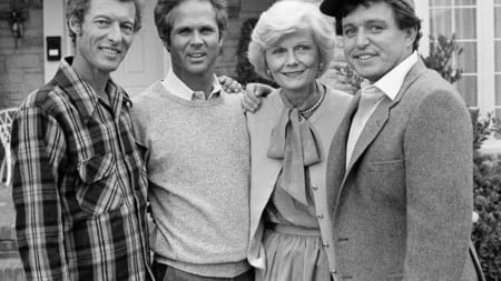 Ken Osmond with his co-stars from his hit TV series