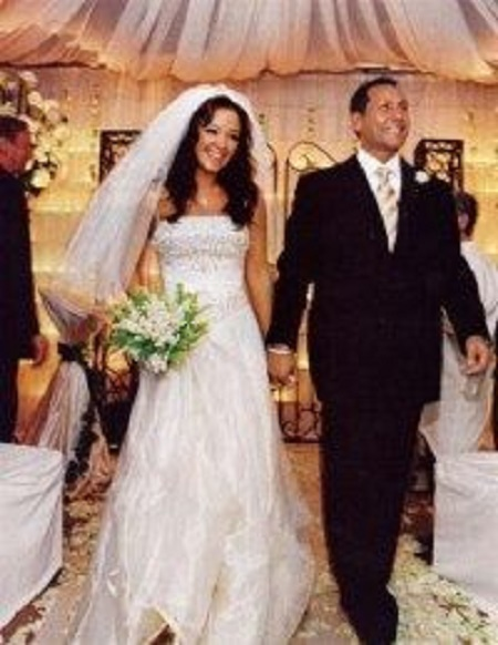 The Wedding Picture of Leah Remini and Angelo Pagán