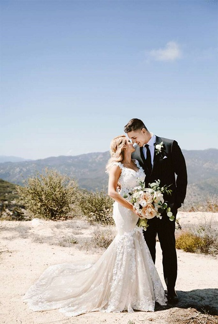 The Wedding Picture of Andre Murillo and Tori Kelly