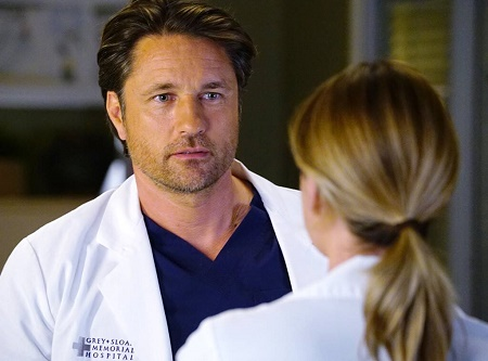 Martin Henderson as Dr. Nathan Riggs in Grey's Anatomy