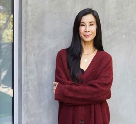 The journalist Lisa Ling has a net worth of $10 million.