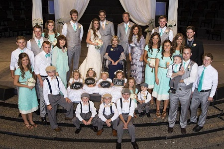Jill Duggar and Derick Dillard Were Married Infront of 100 Duggar Family Members