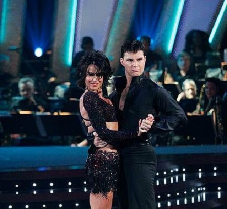 Giselle Fernandez and Jonathan Roberts On Dancing With The Stars