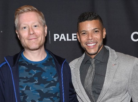 The actors Wilson Cruz (right) and Anthony Rapp (left) has shared an on-screen romance as a gay partner in the series Star Trek: Discovery.