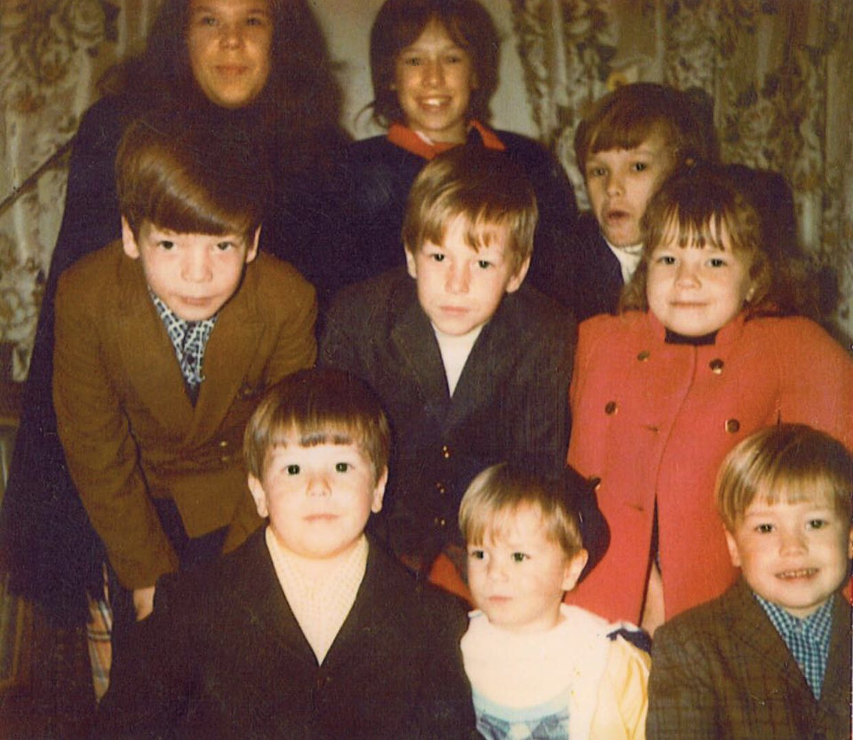 Robert Wahlberg with his nine siblings in his childhood days.