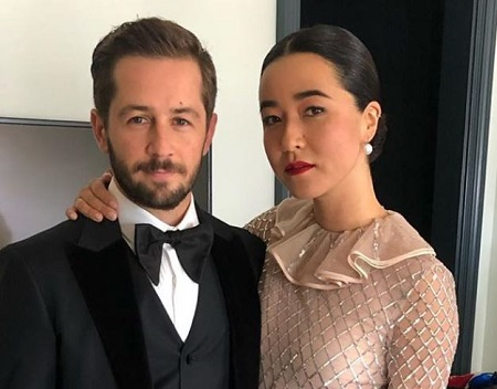 The PEN 15 actress Maya Erskine is dating an actor Michael Angarano.