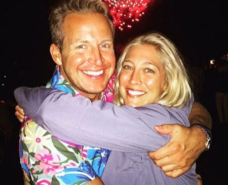 The holistic health coach Sarah Siciliano's husband Chris Wragge is the news anchor who serves for WCBS-TV.