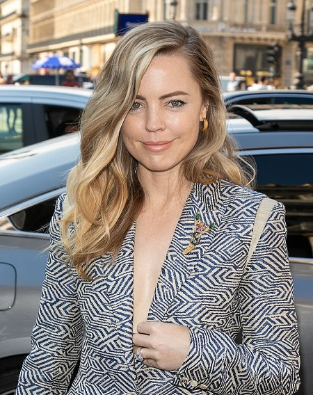 Melissa George's Sparkling Her Diamond Ring at a Paris Fashion Week Event in 2019