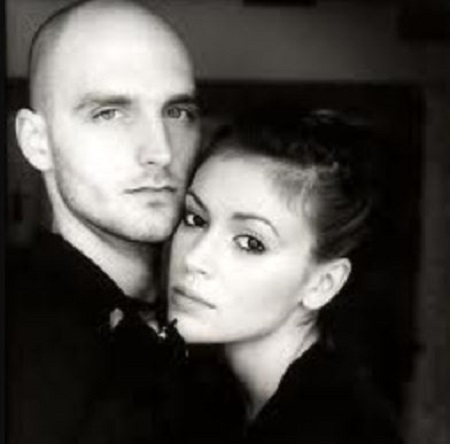 The actress Alyssa Milano was previously married to the musician Cinjun Tate from January 1999 to November 1999.
