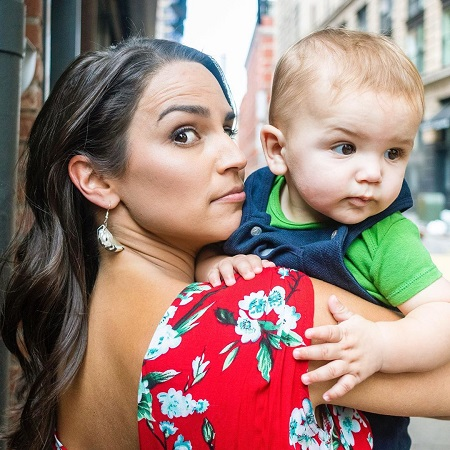 Diane Macedo Is A Mother Of Son