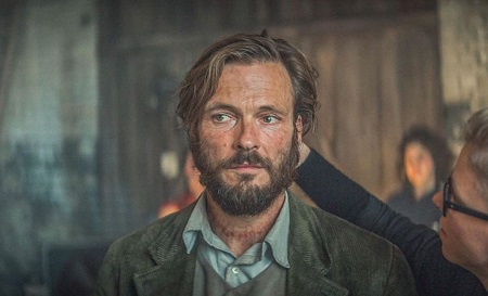 Andreas Pietschmann Plays as The Stranger In Dark