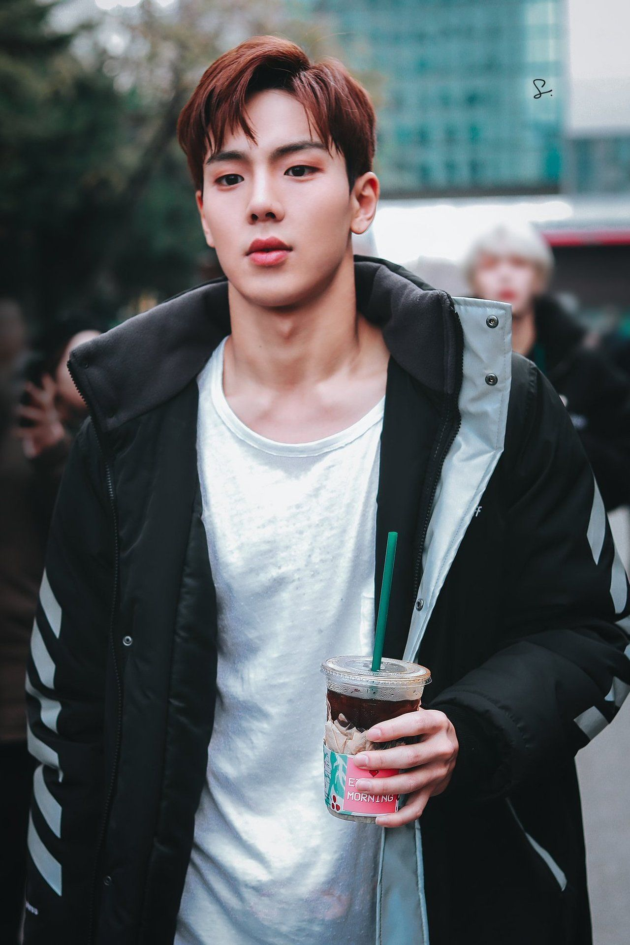 Shownu was once linked up with married woman.