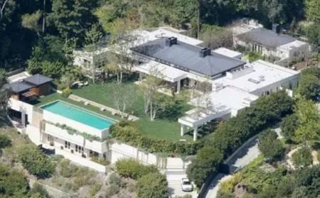 Ellen and Portia's former Beverly Hills home.