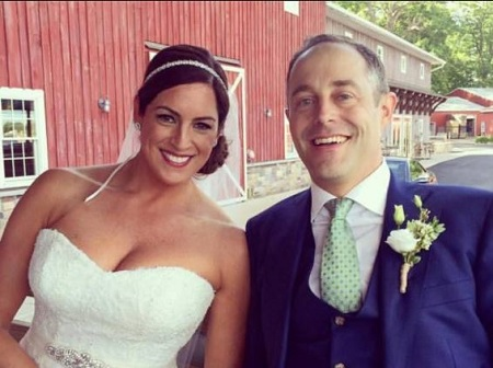 The sports reporter Sarah Spain is married to the real estate agent Brad Zibung since May 29, 2016.