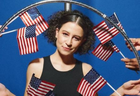 Ilana Glazer is a proud queer.