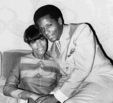 Dionne Warwick was married to an actor, musician late. William Elliott from 1967 to 1975.