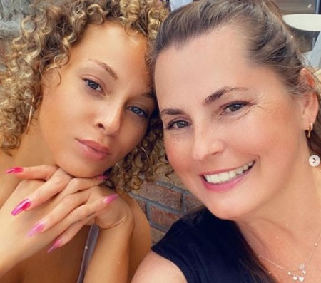 Cheyenne Elliott with her mother Lisa Gressett.