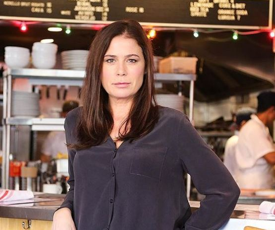 The News Radio actress Maura Tierney is living a single life.