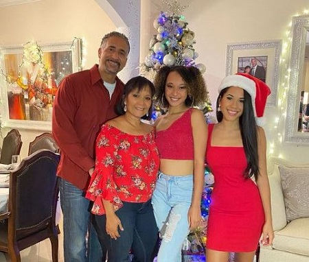 The American rising singer Elanese Lansen with her mother Denise (second from left), father Joseph Sanchez, and sister Jonisse Sanchez.