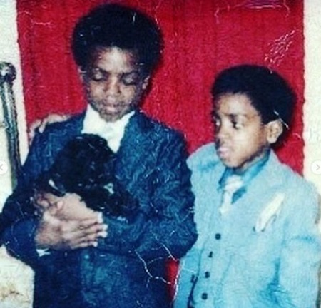 The childhood image of Calvin Hughes with his brother.